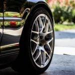Få sat de rigtige dæk på inden turen med familien