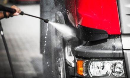 Er du træt af at vaske din lastbil selv, så prøv en fuldautomatisk lastbilvask